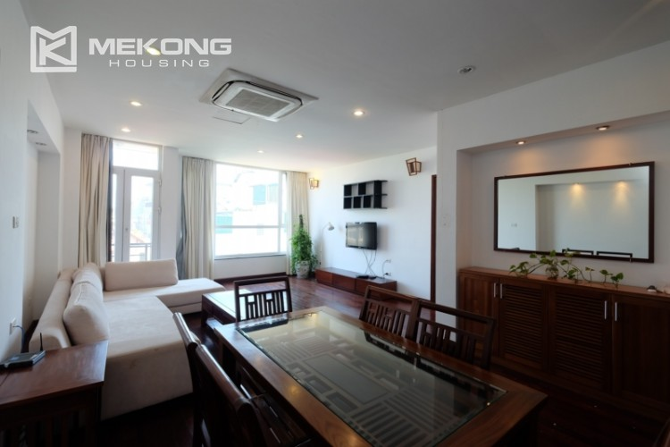 Modern and good quality apartment for rent inTay Ho street 2