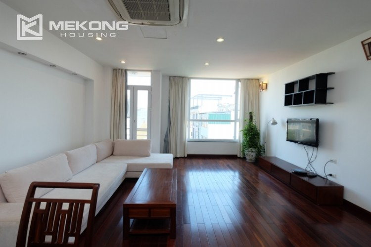 Modern and good quality apartment for rent inTay Ho street 3