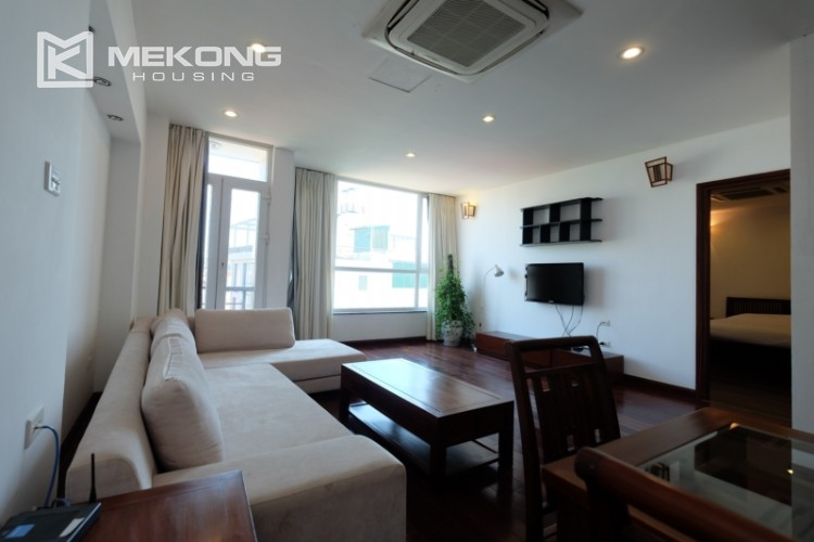 Modern and good quality apartment for rent inTay Ho street 4