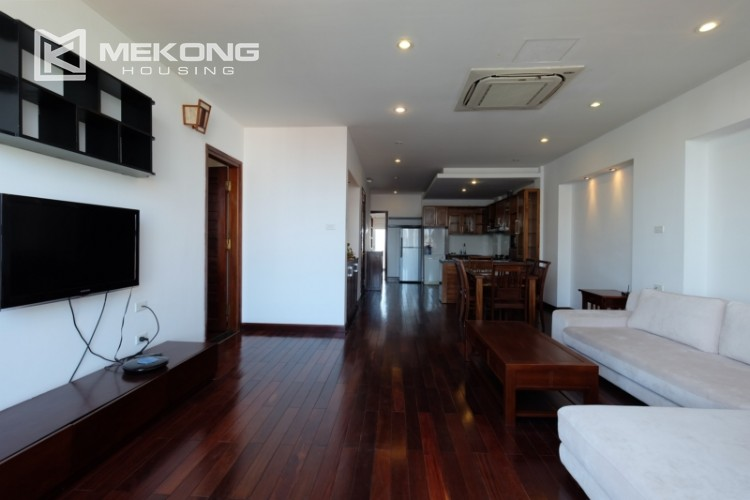 Modern and good quality apartment for rent inTay Ho street 5