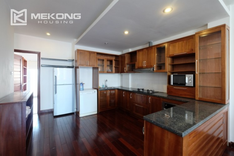 Modern and good quality apartment for rent inTay Ho street 11