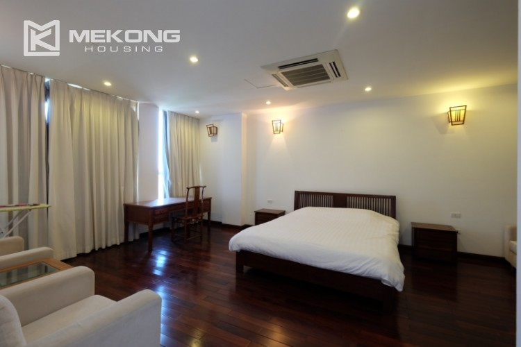 Modern and good quality apartment for rent inTay Ho street 13