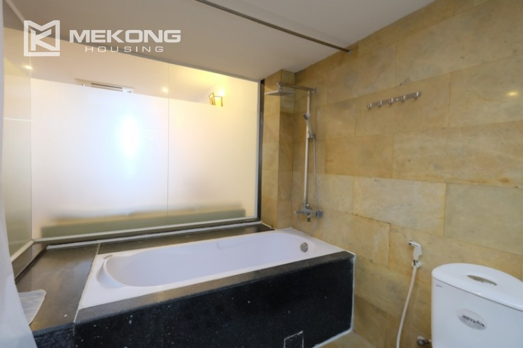 Modern and good quality apartment for rent inTay Ho street 18