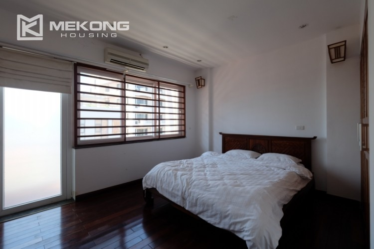Modern and good quality apartment for rent inTay Ho street 19