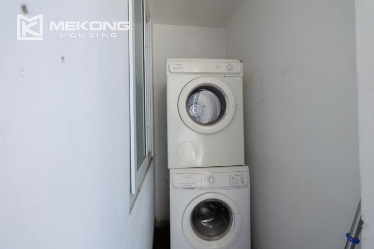 Modern and good quality apartment for rent inTay Ho street 22