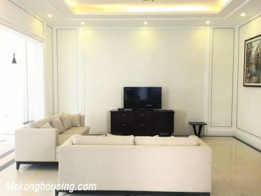 Modern and luxurious villas for rent in Hoa Sua area, Vinhomes riverside, Long Bien, Hanoi 2
