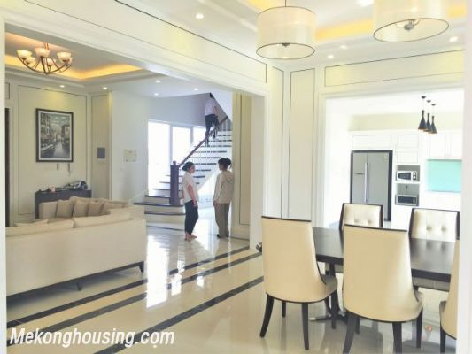 Modern and luxurious villas for rent in Hoa Sua area, Vinhomes riverside, Long Bien, Hanoi 3