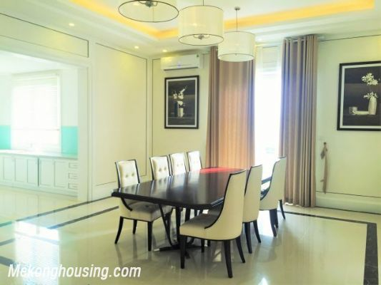 Modern and luxurious villas for rent in Hoa Sua area, Vinhomes riverside, Long Bien, Hanoi 4