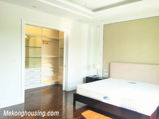 Modern and luxurious villas for rent in Hoa Sua area, Vinhomes riverside, Long Bien, Hanoi 11
