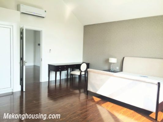 Modern and luxurious villas for rent in Hoa Sua area, Vinhomes riverside, Long Bien, Hanoi 16