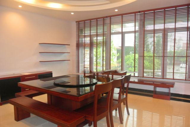 Modern and spacious villa with 200 sqm for rent in Peach Garden, Tay Ho, Hanoi.