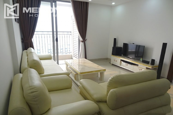 Modern apartment with 2 bedroom and big balcony for rent in Vinhomes Nguyen Chi Thanh 2