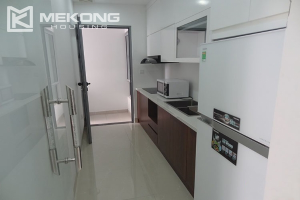 Modern apartment with 2 bedroom and big balcony for rent in Vinhomes Nguyen Chi Thanh 8