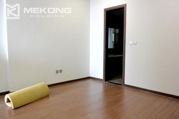 Modern apartment with 2 bedrooms for rent in Trang An Complex 7