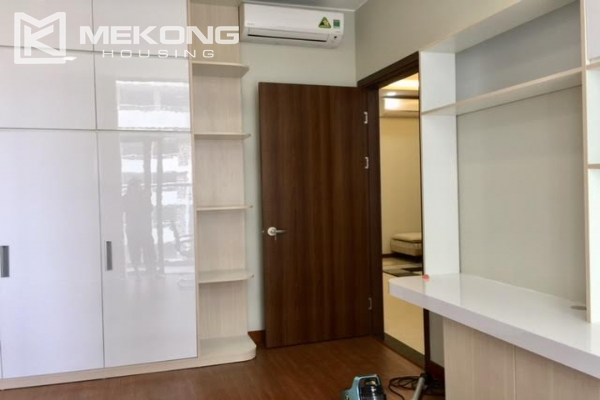Modern apartment with 2 bedrooms on high floor in Trang An Complex 3