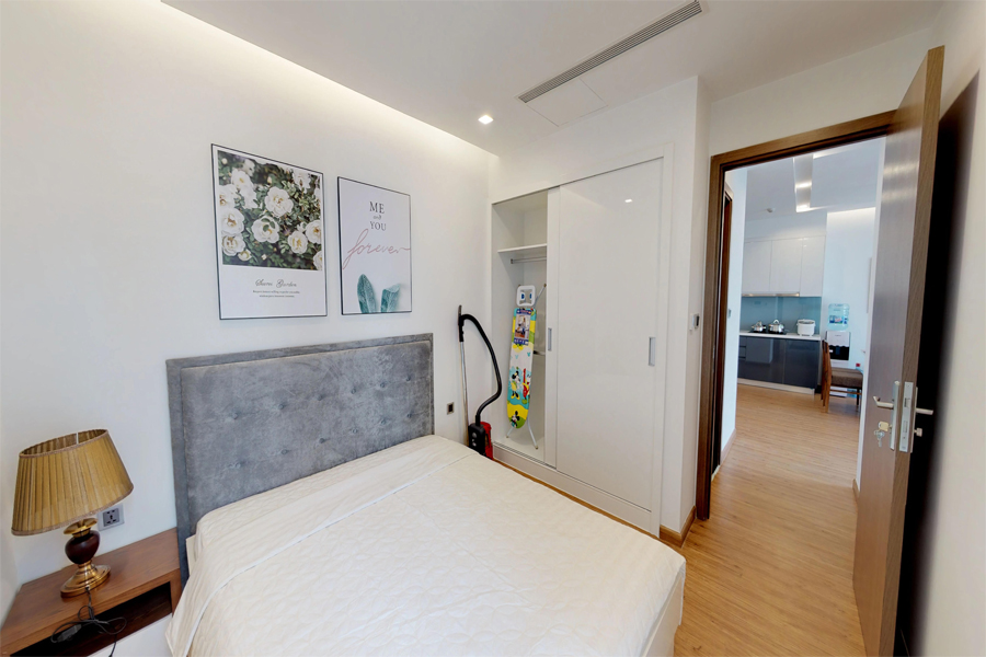 Modern design apartment with 2 bedroom on high floor in Vinhomes Metropolis, Lieu Giai street 10