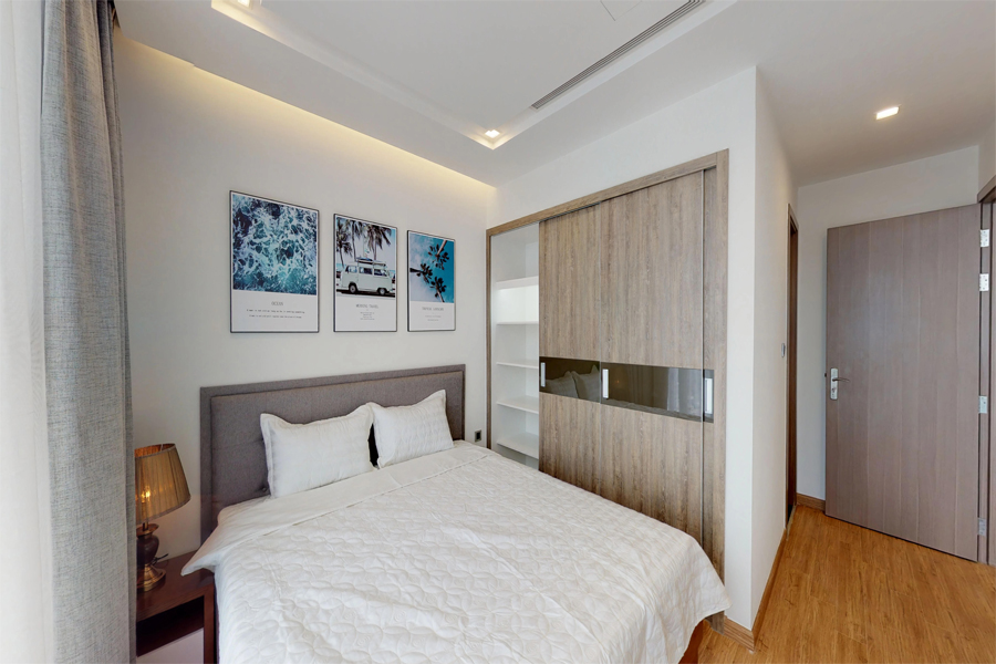 Modern design apartment with 2 bedroom on high floor in Vinhomes Metropolis, Lieu Giai street 12
