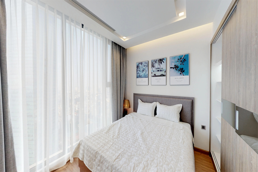 Modern design apartment with 2 bedroom on high floor in Vinhomes Metropolis, Lieu Giai street 13