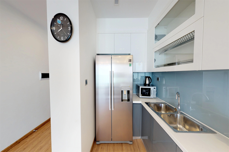 Modern design apartment with 2 bedroom on high floor in Vinhomes Metropolis, Lieu Giai street 7