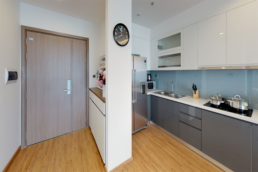Modern design apartment with 2 bedroom on high floor in Vinhomes Metropolis, Lieu Giai street 8
