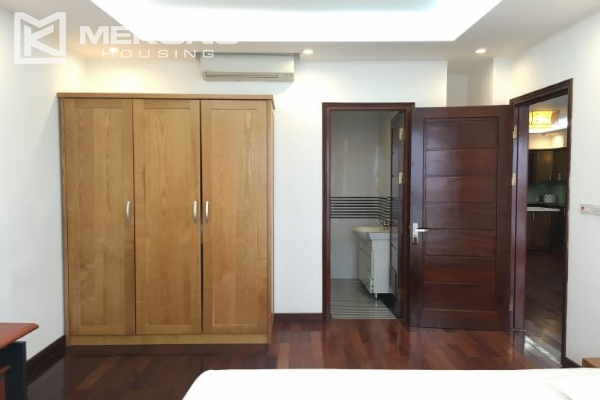 Modern furnished apartment with 3 bedrooms and lake view  in Westlake area, Hanoi 6