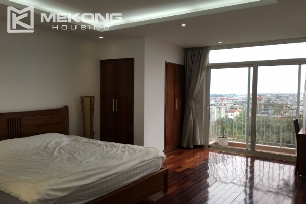 Modern furnished apartment with 3 bedrooms and lake view  in Westlake area, Hanoi 11