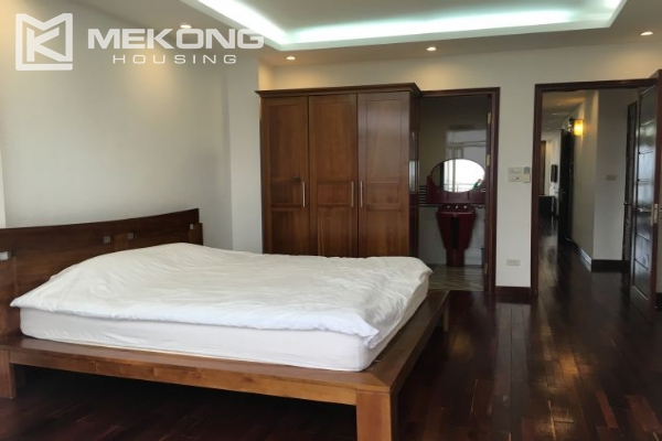 Modern furnished apartment with 3 bedrooms and lake view  in Westlake area, Hanoi 9