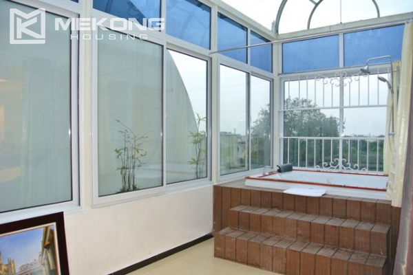 Modern furnished penthouse apartment with cozy 1 bedrooms for rent near Ba Dinh square, Hanoi 6