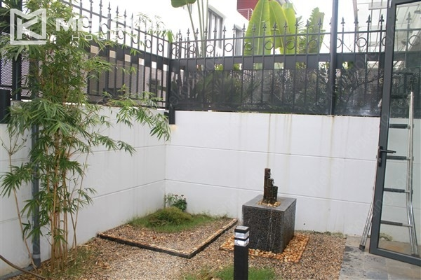 Modern house with 4 bedrooms for rent in Gamuda Gardens, Hoang Mai district 17