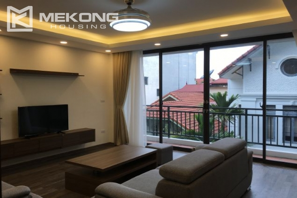 Modern serviced apartment with 2 bedrooms for rent in To Ngoc Van 1