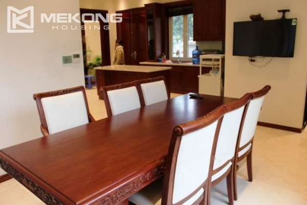 Modern villa with 4 bedrooms and garden surrounded in Vinhomes Riverside, Long Bien 12