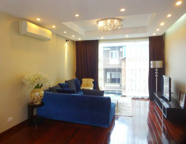 Modern 2 bedroom apartment for rent in To Ngoc Van street, Tay Ho district