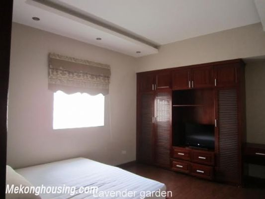 Nice and Modern Serviced Apartment Renting in Cau Dat st, Hoan Kiem dis 9