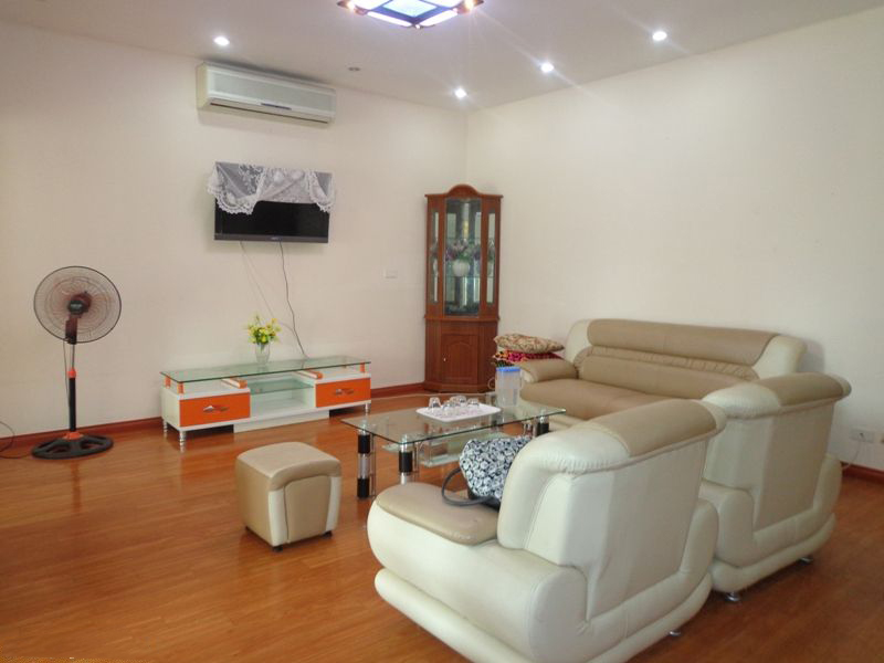 Nice Fully Furnished in Nguyen Chi Thanh Street