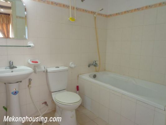 Nice Fully Furnished in Nguyen Chi Thanh Street 5