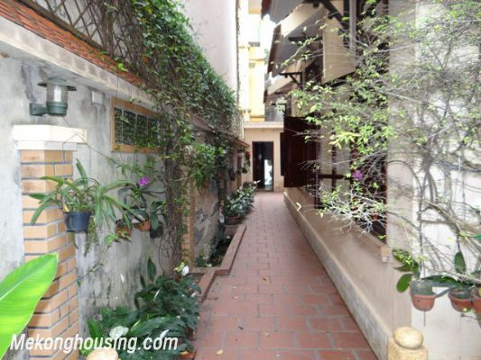 Nice House, 03 Bedrooms For Rent in Ba Dinh district 3