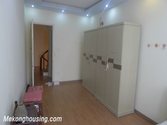 Nice house with 3 bedrooms for rent in Doi Can street, Dong Da district, Hanoi 6