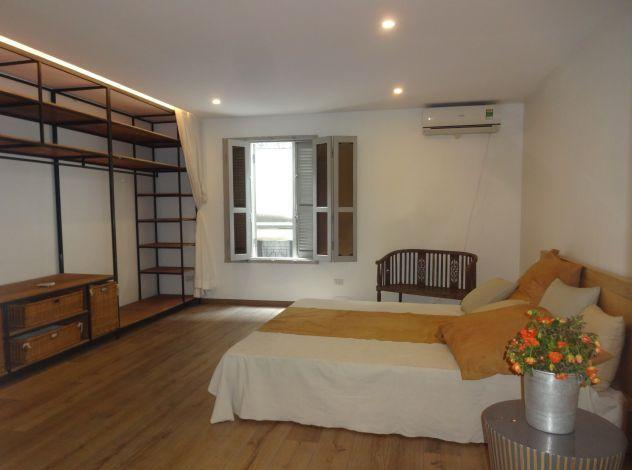 Nice house with 3 bedrooms for rent in Xuan Dieu street,Tay Ho district, Hanoi