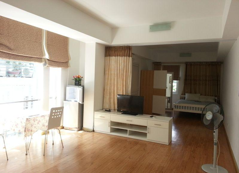 Nice serviced apartment for rent in Lang Ha street, Dong Da district, Hanoi