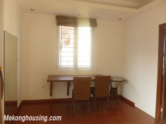 Nice serviced apartment with 1 bedroom for rent in Au Co street, Tay Ho district, Hanoi 3