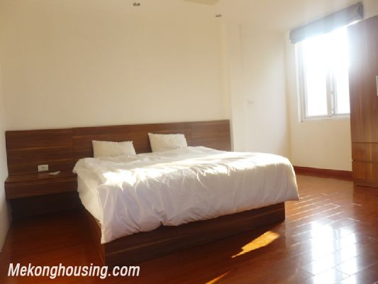 Nice serviced apartment with 1 bedroom for rent in Au Co street, Tay Ho district, Hanoi 4