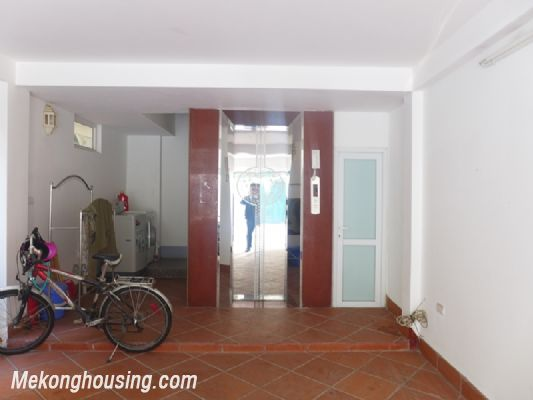 Nice serviced apartment with 1 bedroom for rent in Au Co street, Tay Ho district, Hanoi 9