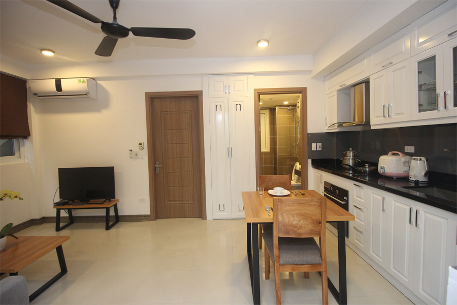 Nice serviced apartment with 1 bedroom for rent on To Ngoc Van street, Tay Ho district 3