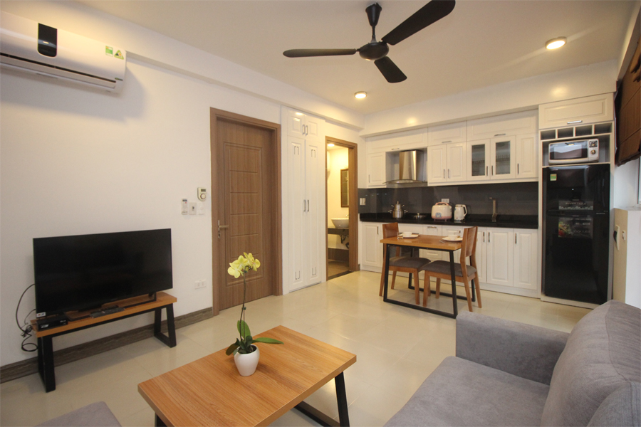 Nice serviced apartment with 1 bedroom for rent on To Ngoc Van street, Tay Ho district 4