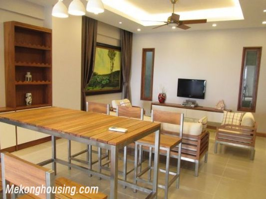 Nice serviced apartment with 3 bedrooms for rent in Vuon Dao building, 689 alley, Lac Long Quan street, Tay Ho district, Hanoi 6
