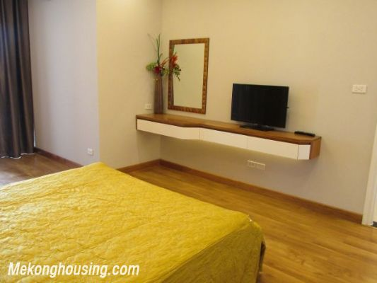 Nice serviced apartment with 3 bedrooms for rent in Vuon Dao building, 689 alley, Lac Long Quan street, Tay Ho district, Hanoi 10