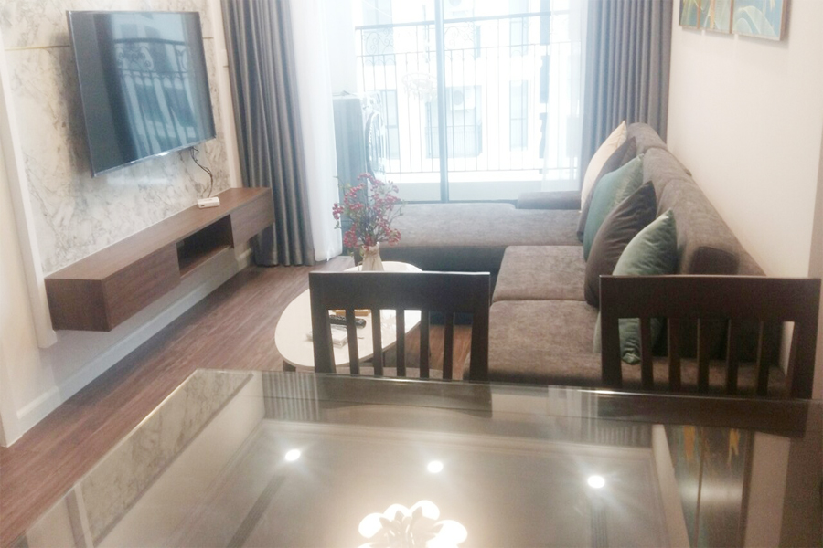 Nicely decorated apartment with 2 bedrooms on high floor in R1 tower, Sunshine Riverside Hanoi 1