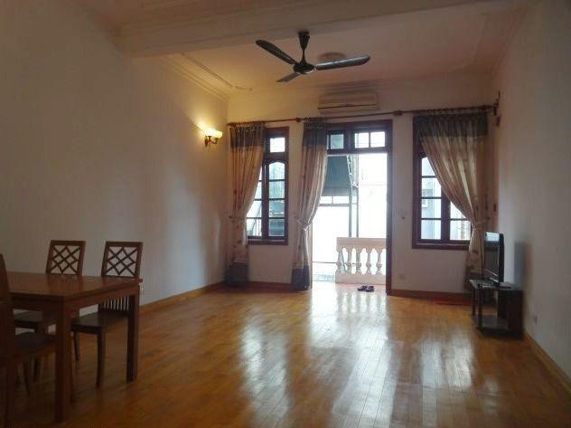 One bedroom apartment for rent in Dang Thai Mai street, Tay Ho district, Hanoi