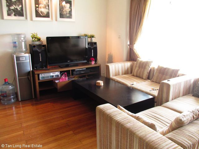 One bedroom apartment with modern furniture on high floor in Vuon Dao building, Tay Ho district, Hanoi