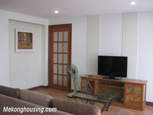 One bedroom serviced apartment for rent in Lang Ha street, Dong Da district, Hanoi 2